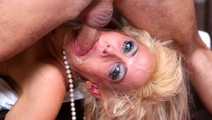 Mikki Lynn's large mouth gets totally fucked to the depths!