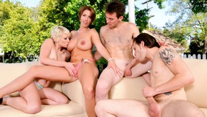 Bisexual Group Sex! Watch 2 Couples Fucking In The Backyard!