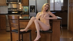 Voracious blonde babe Tysen Rich uses a vibrating toy and her talented fingers to delight her dripping bald snatch